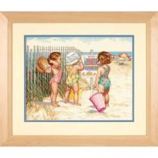 """Набор для вышивания крестом """"Девочки на пляже//Beach Babies"""" DIMENSIONS 35216"""